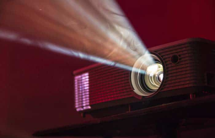 How To Choose The Best Outdoor Projector